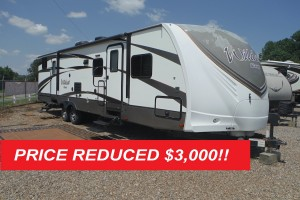 Pre-owned 2017 Forest River Wildcat Maxx 32BHXS Travel Trailer