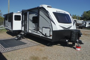 Pre-owned 2021 Jayco White Hawk 32BH Travel Trailer